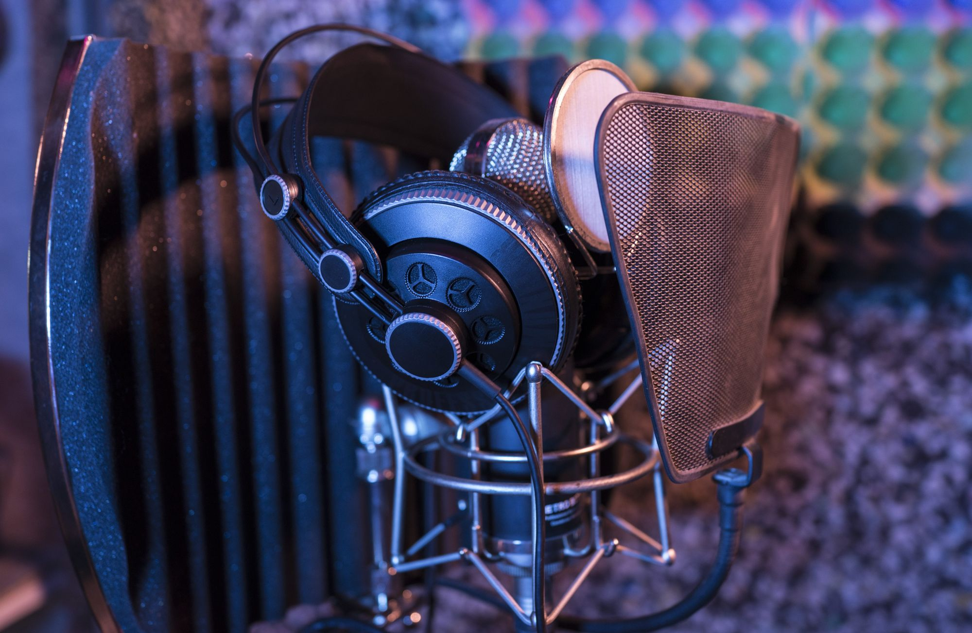 How to Promote Your New Podcast: 10 Effective Strategies to Try